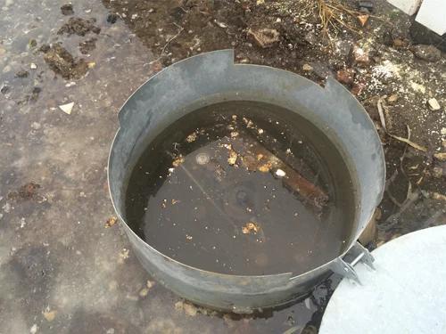 Фото затопленной при половодье арматуры газгольдера